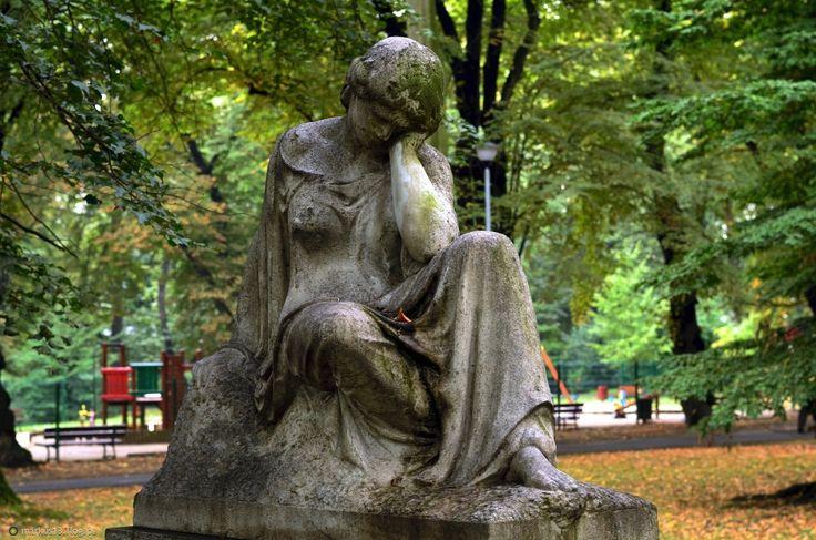 Racibórz Park im. Miasta Roth - rzeźba nagrobna