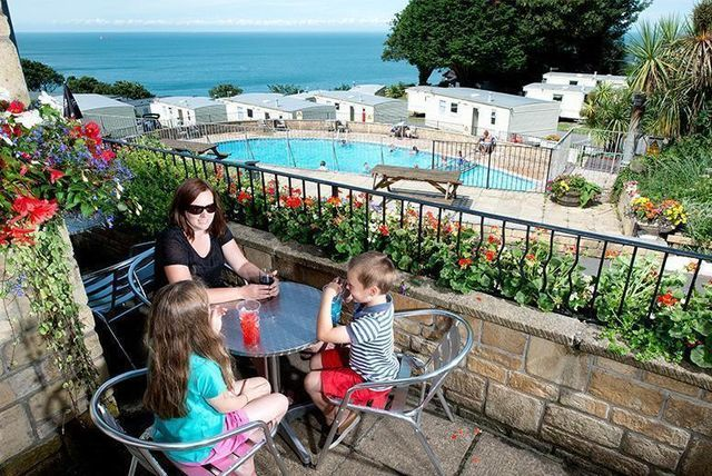 3-4nt Devon & Cornwall Family Break for up to 6 - 10 Locations & Bank Holiday Dates!