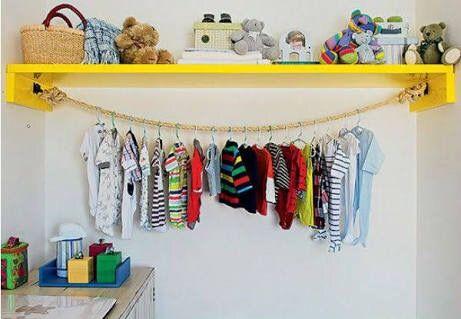 Dica de organização para o quarto do bebê – Faça você mesmo – Cômoda e prateleira com cabides