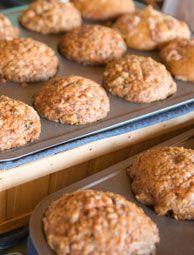 Low-fat, Low-sugar Apple-oatmeal Muffins