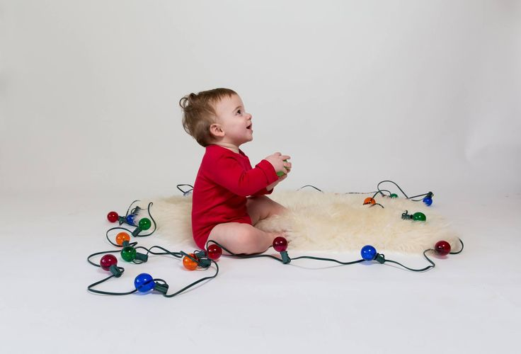 It's the most wonderful time of the year! We're spending the rest of the weekend shopping and decking our halls and hope you are too! This Christmas we hope you will think about shopping small and shopping clean.   Shop Clean with Basal Baby. 15% site wide/ 20% off $100+ orders/ 20% off size up plans through Cyber Monday.