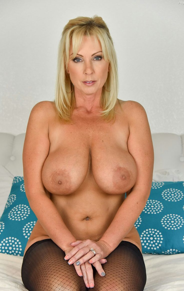 mature woman naked
