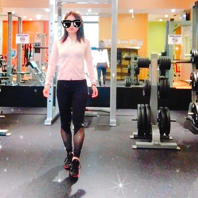 誰よりも輝きたくて やっぱり今日も来ました、 ジム。 ・ #筋トレ#筋トレ女子#ダイエット#diet#フィットネス#fitness #fitnessgirl #bestbodyjapan #ベストボディ#Nike#くびれ#バスト#トレーニング#ジム#gym#ボクシング#boxing#lifestyle#travel#モデル#model#ゴールドジム#料理#肉#ヘルシー#healthy#夢#目標#ワクワク#水着