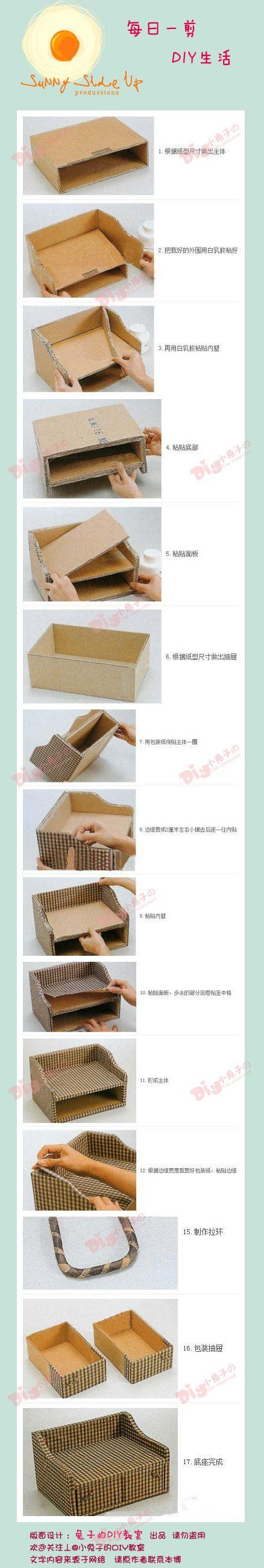 Sofá decorativo hecho con cartón y tela de tapicería, ideal para organizar y guardar cosas pequeñas