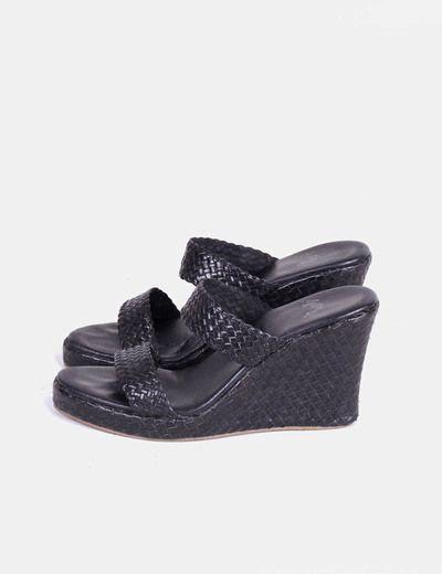 Sandalias negras de doble tira trenzada NoName