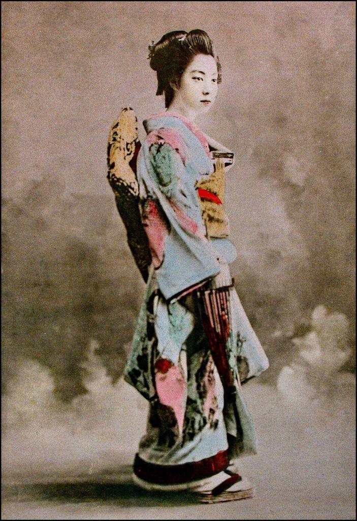 Vintage Geisha pics