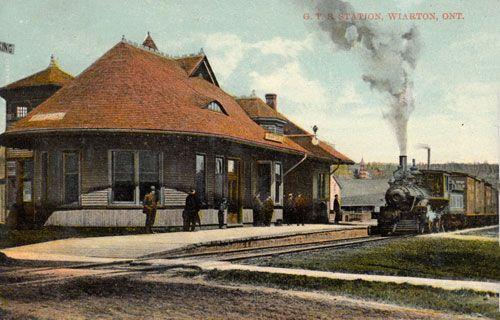 WIARTON , Ontario - Grand Trunk Railway station & steam engine 1914
