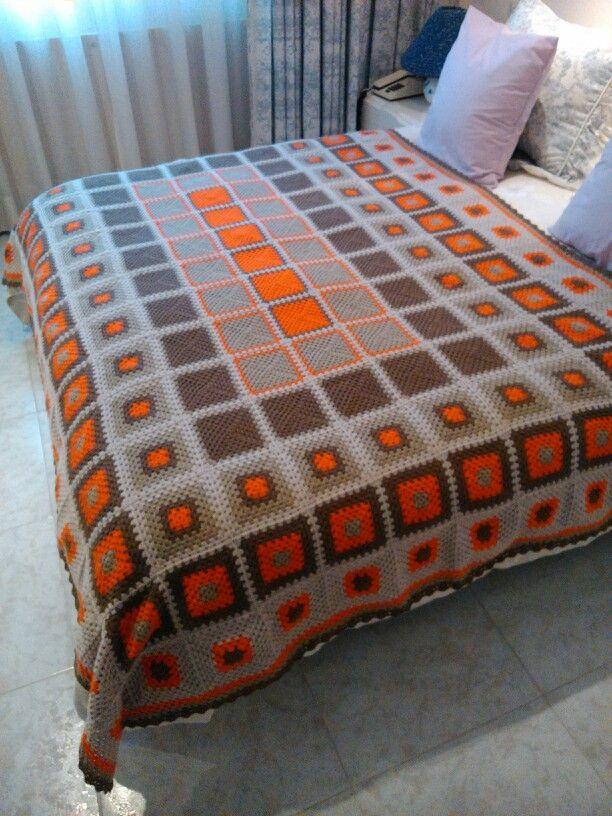 Granny square mantita pie de cama para 1,50x2