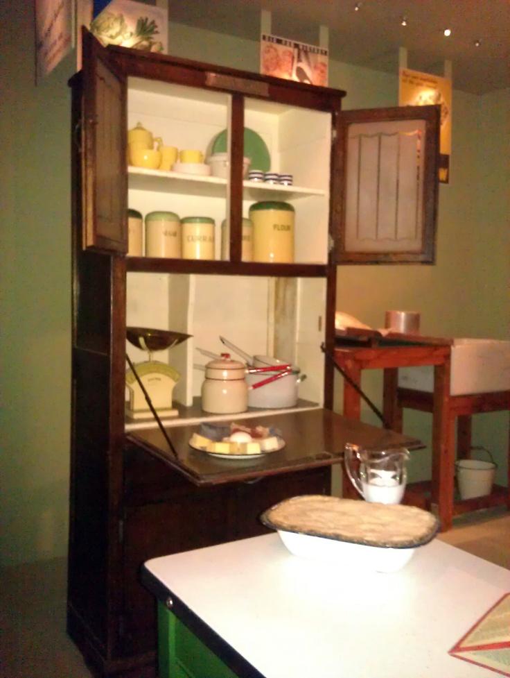 78 Ideas About 1940s House On Pinterest 1940s Kitchen