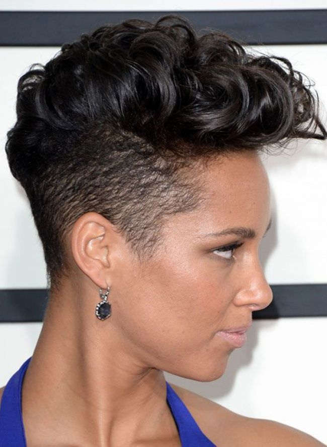 222090d783c03565aa18acbfdc34fc97--short-punk-hairstyles-plaits-hairstyles.jpg (650×886)