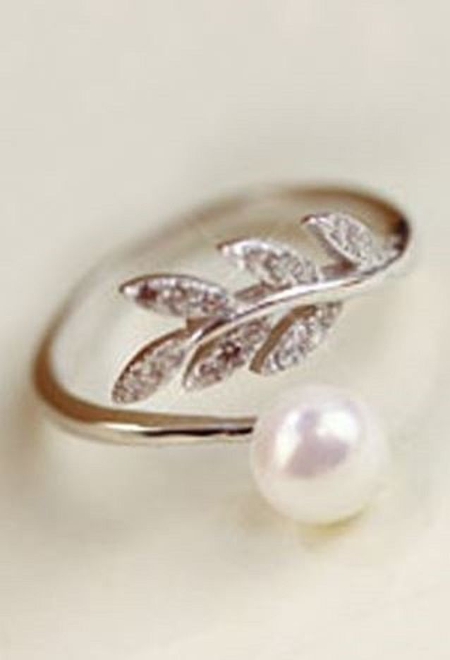 So Pretty! Love this Pearl Ring Design! Sweet Faux Pearl Leaf Cuff Ring For Women