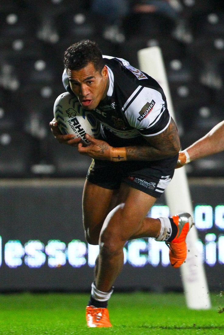 Player of the Year Fetuli Talanoa runs in for one of his 10 tries in 2014.