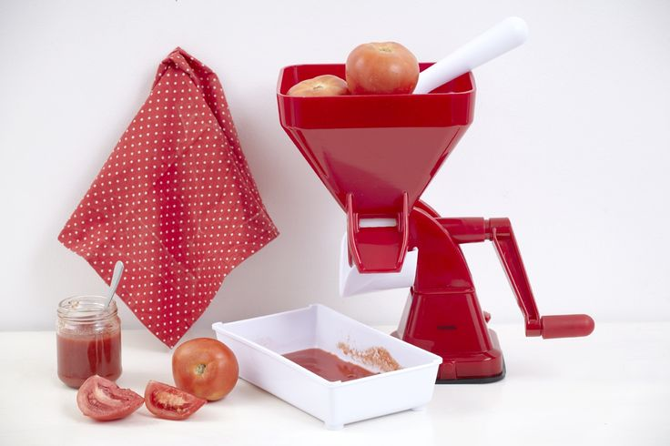 Η Vicko σας αποκαλύπτει τη συνταγή για πεντανόστιμη σάλτσα ντομάτας και το μυστικό για να την αποθηκεύσετε σε βάζα, διατηρώντας την φρέσκια για μεγάλο χρονικό διάστημα!