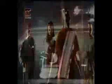 El Emigrante - Celtas Cortos  Spanish Rock. Find lyrics and share.