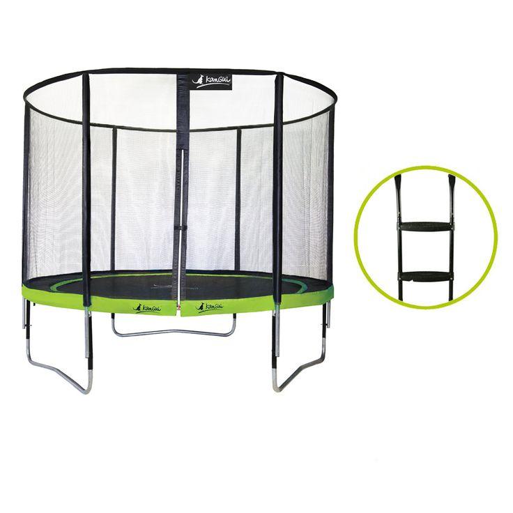 La pratique du trampoline offre de nombreux avantages comme faire de l'exercice en plein air, développer son sens de l'équilibre et renforcer ses muscles. Ce trampoline a été développé avec un soin particulier pour un maximum de sécurité et pour durer longtemps. Le coussin avec une bavette limite l'accès aux ressorts pour plus de sécurité. L'accès au trampoline est simple et sécurisé grâce à une fermeture éclair et 2 clips. Les bouchons sur les poteaux permettent un bon maintien du filet…