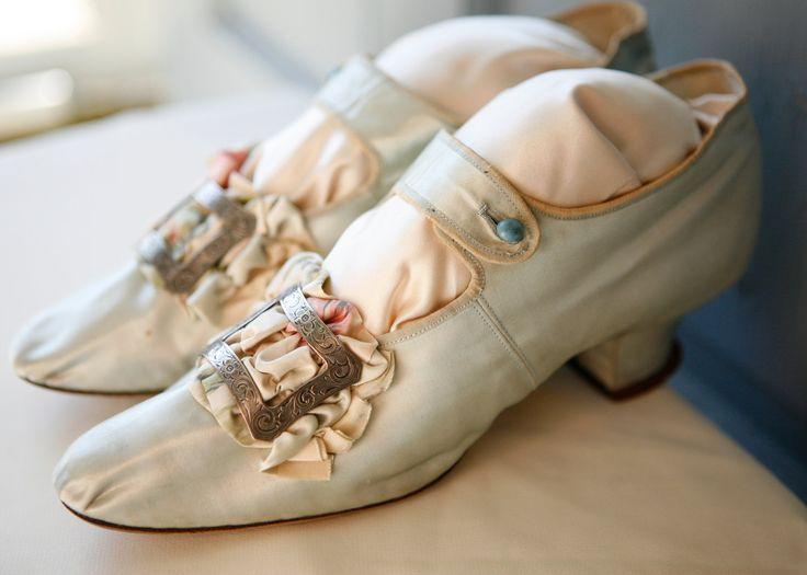amazing french marie antoinette antique shoes    img0.etsystatic.com