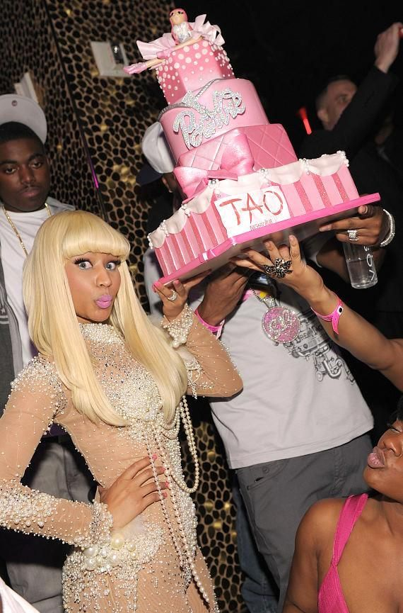 Nicki Minaj Birthday Cake (I really want a close up of the cake, it looks adorable!).