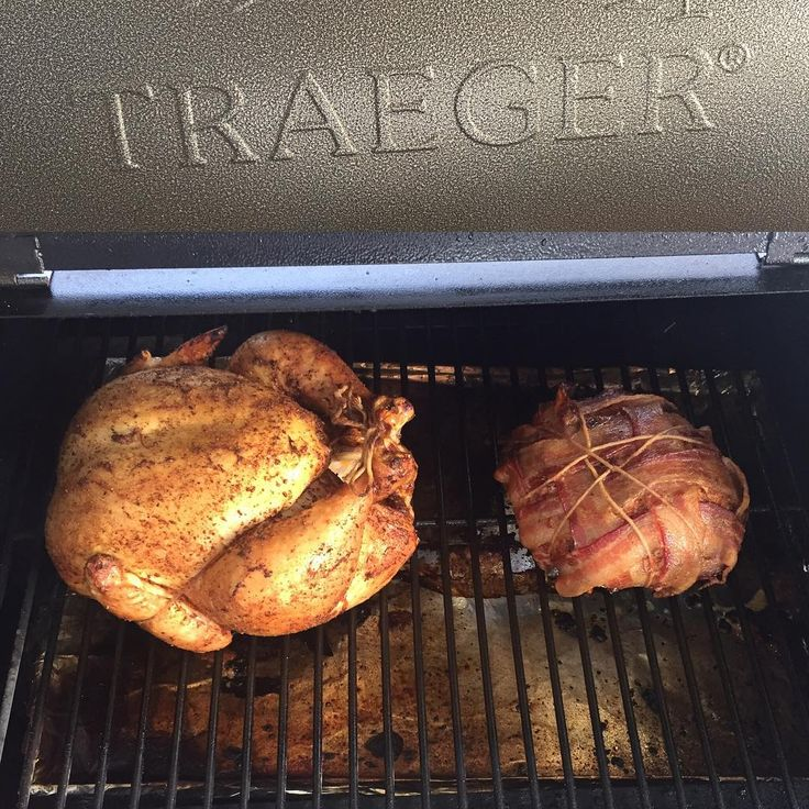 #mealprep #Sunday made easy with a little help from my friend #traeger ... #chicken #porkroast #bacon #meateater #mealprepsunday #wholefoods Reposted Via @isarault