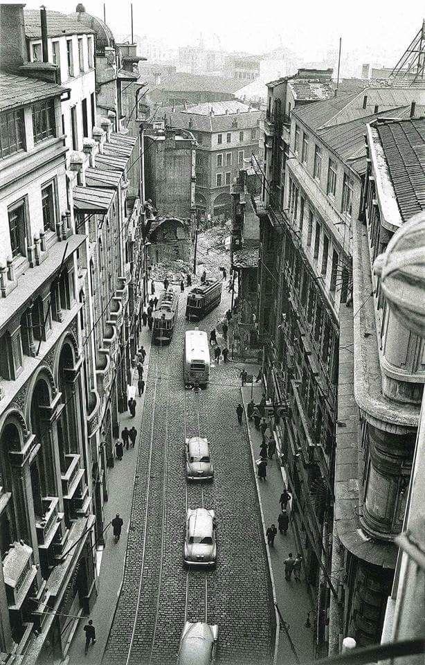Bankalar Caddesi (1958) #Karaköy #istanbul #BankalarCaddesi