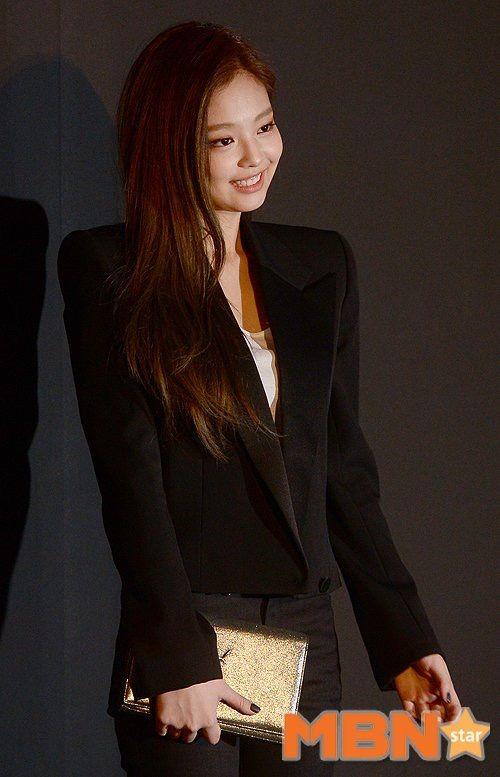 BLACKPINK 블랙핑크 Jennie ❤ #so_elegant