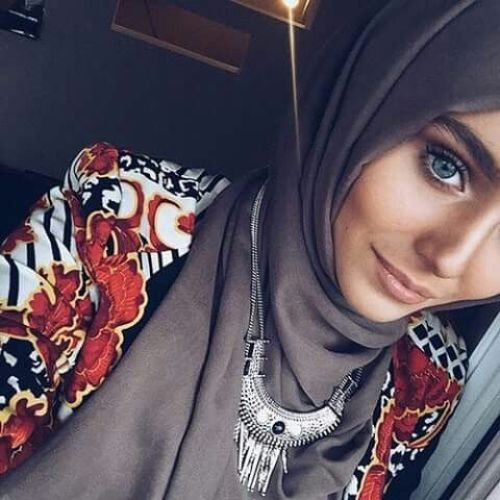 statement necklace with hijab, How to wear statement necklace with hijab http://www.justtrendygirls.com/how-to-wear-statement-necklace-with-hijab/