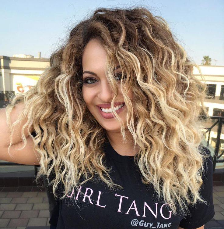 Thick+Curly+Blonde+Balayage+Hair