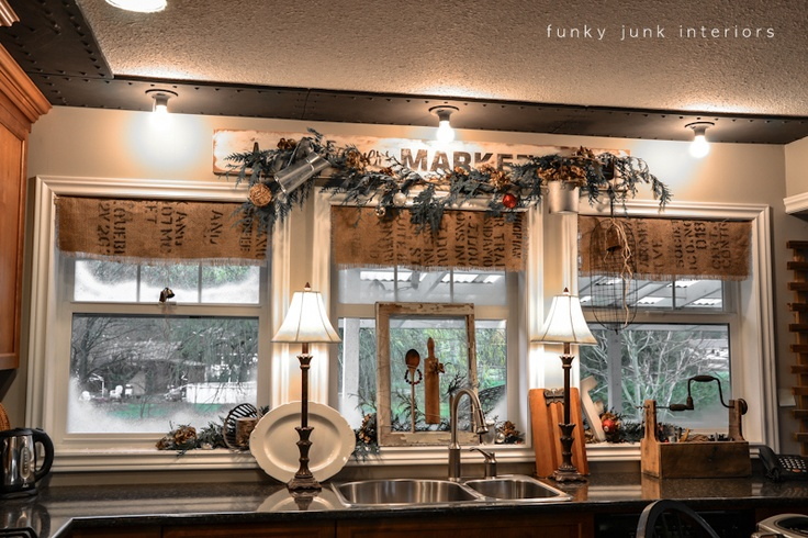 Kitchen Window Decoration Ideas: Christmas Old Window Picture In The Kitchen