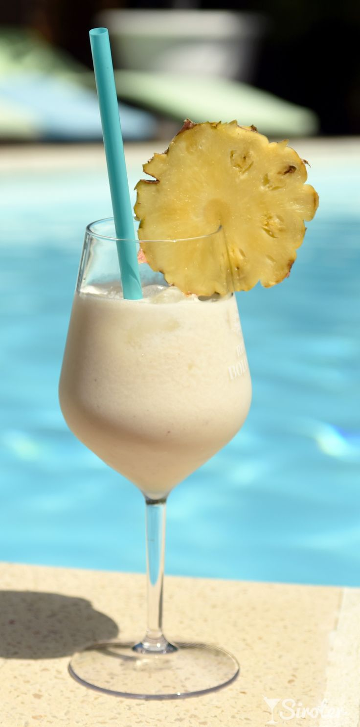 Photo cocktail PIÑA COLADA