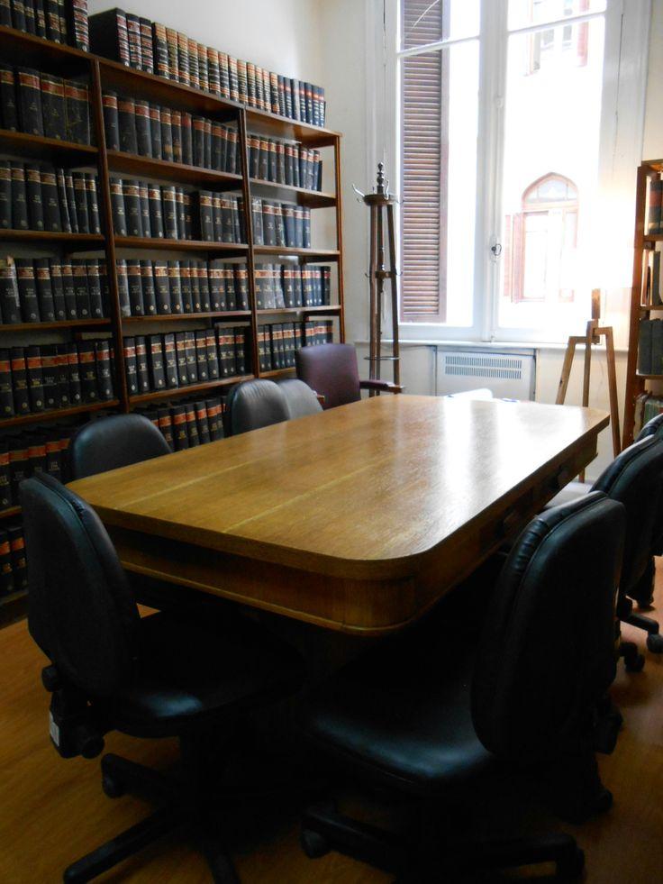 La sala de lectura totalmente renovada paredes y marcos
