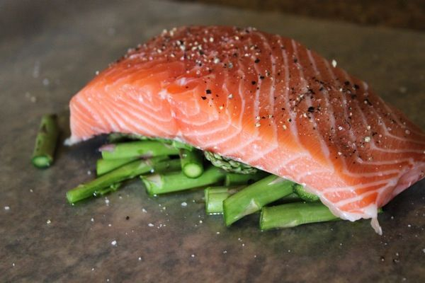 Salmon in parchment with asparagus - serve with baked sweet potato ...