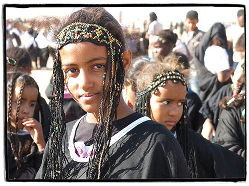 Sahrawi girls in black | Cultures of Resistance Films