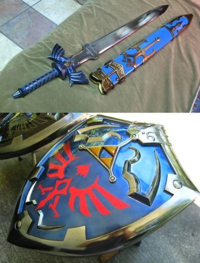 CosGeek: Merchandise: Legend of Zelda Gear