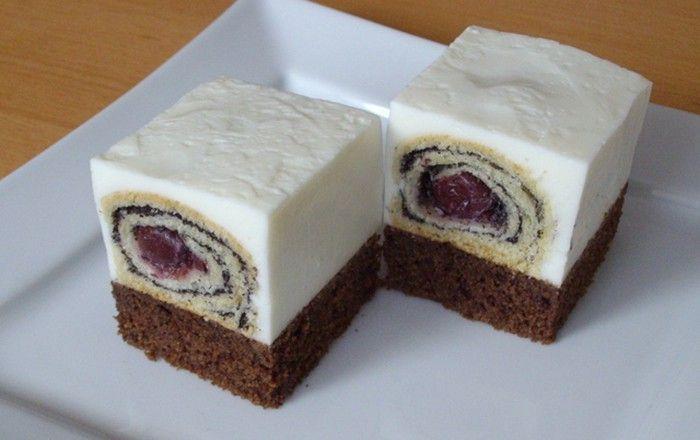 Kombinace kakaového piškotu s ořechy a malých makových závinů v jogurtovém krému je prostě neodolatelná. Tímto dezertem jistě okouzlite i velmi náročné hosty.