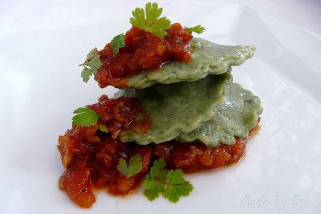 o varení, živote a tak...  : Špenátové ravioli s mäsovou plnkou a rajčinovou om...