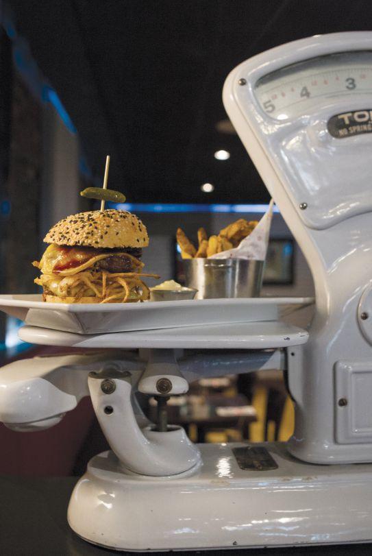 Tentation: Burger Charlevoix des Trois-Garçons | Québec Scope Magazine