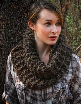 Claire's Cowl Free Knitting Pattern | Outlander Inspired Knitting Patterns at http://intheloopknitting.com/outlander-inspired-knitting-patterns/