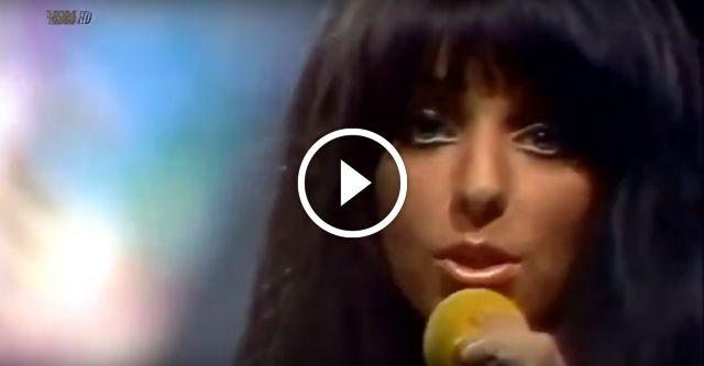 Shocking Blue — голландская рок-группа из Гааги, существовавшая с 1967 по 1974 год. Известнейшая песня группы «Venus» («Венера») в феврале 1970 года