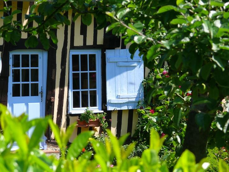 Les volets bleus normands ...www.martinaa.fr