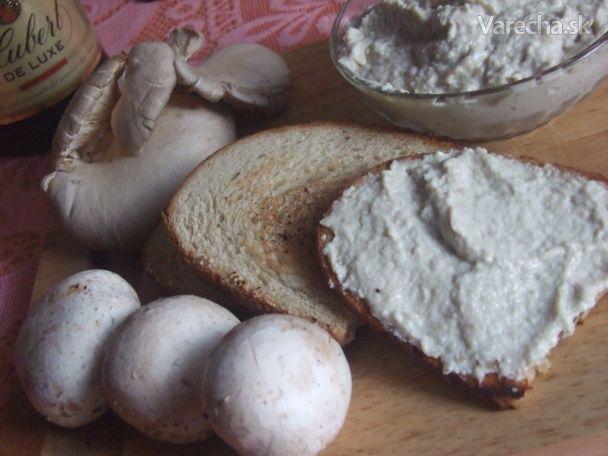 Crostini s hubovým krémom (fotorecept)