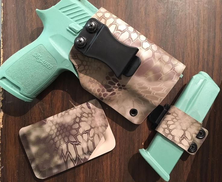 Sig P320 IWB/Ambidextrous holster Single horizontal mag holder Minimalist wallet  $30 Sparrow.tactical.gear@outlook.com to purchase