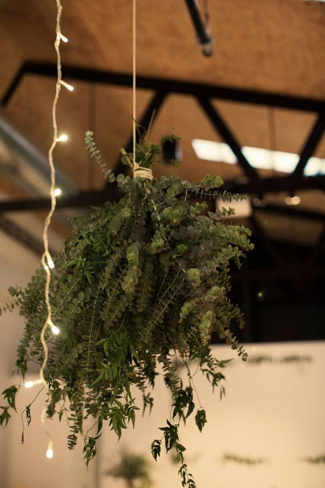 Hanging bundles | flowers by Badlands & Co.
