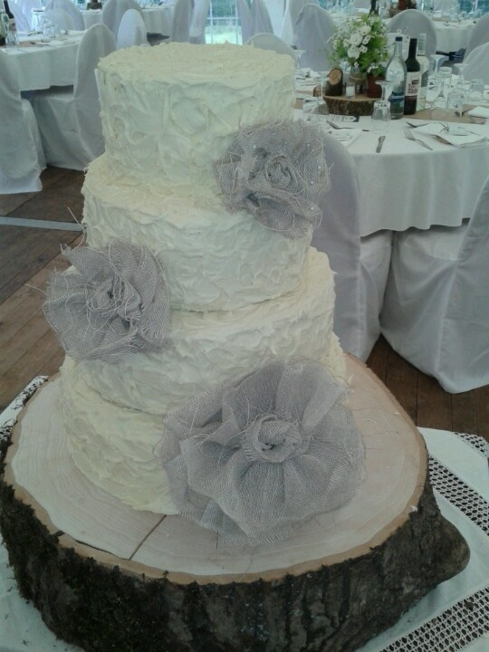 white chocolate wedding cake frosting 34 best images about white chocolate wedding cakes on 27269