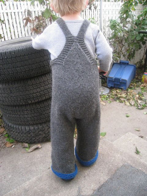 So all the Dalek patterns are for dresses. I have a baby boy and think Dalek overalls would look better on him. So I want to make my own pattern using this overalls pattern as a base :)