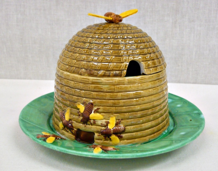 Rare MINTON bee honey pot formed as a bee skip wi ...