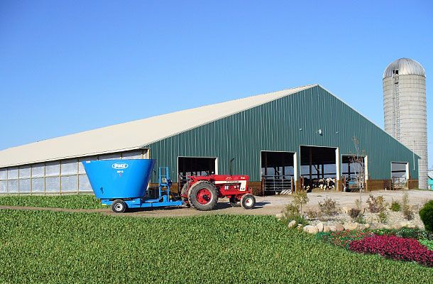 17 best images about dairy barns on pinterest charlotte for Dairy barn plans