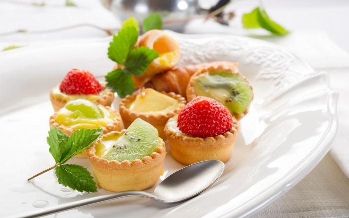 Food - dessert platter