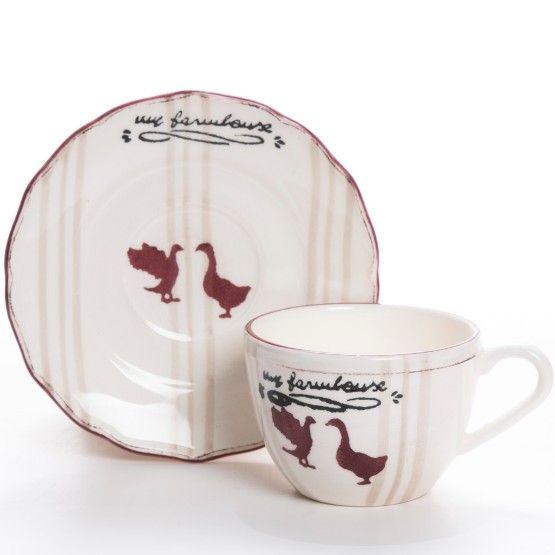 A xícara de chá Farmhouse é uma excelente opção para elaborar uma mesa de café da manhã ou chá da tarde com lembranças da fazenda. Trata-se de peça charmosa produzida em cerâmica off-white, com listras nude e acabamento wine que encantará seus convidados. #Xícara #XícaraCafé #XícaraChá #LojaSoulHome