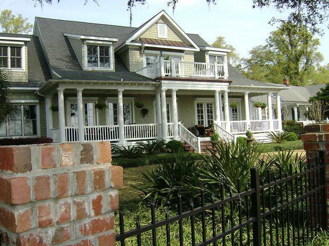 17 best ideas about southern front porches on pinterest for Southern homes with porches