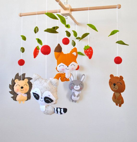 Baby mobile Woodland animals Forest Fox Rabbit Bear Raccoon Nursery decor Woodland baby shower gift Crib hanging mobile 100% wool felt