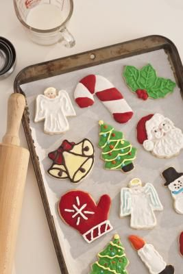 Many people enjoy eating cookies, and will typically go to a store or bakery to buy them if they don't opt to make them at home. However, the Internet has created an outlet for people to buy cookies ...